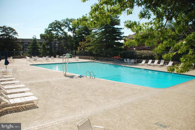 Olympic style pool - 1200 N NASH ST #538, ARLINGTON