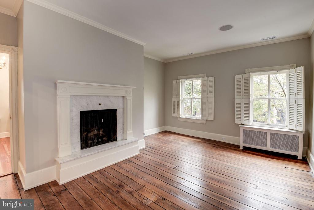 Owner's Bedroom With Fireplace - 3340 N ST NW, WASHINGTON