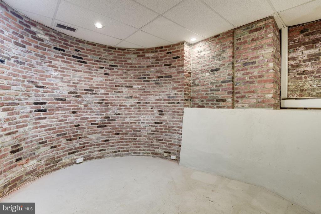 Wine Cellar - 3340 N ST NW, WASHINGTON