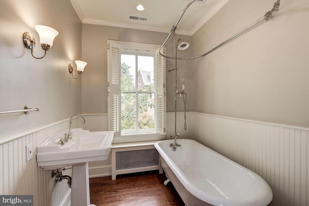 3rd Bedroom En Suite - 3340 N ST NW, WASHINGTON