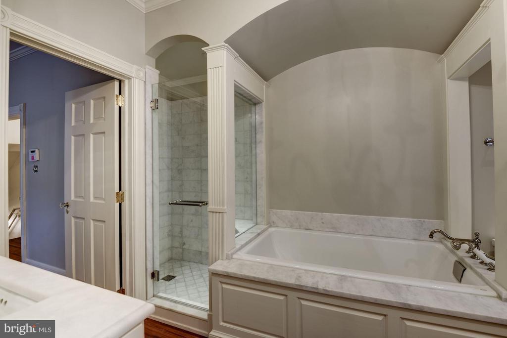Owner's En Suite - 3340 N ST NW, WASHINGTON