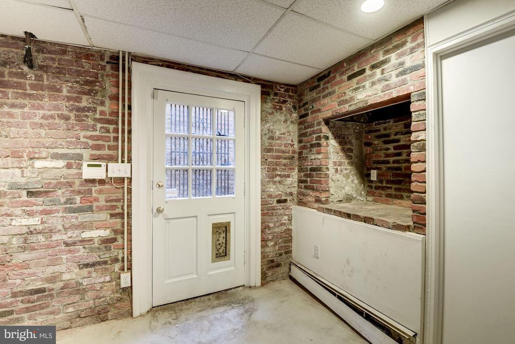 Basement Mud Room - 3340 N ST NW, WASHINGTON
