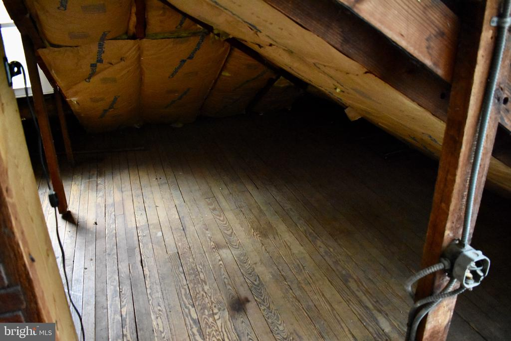 Attic Level hardwood floors - 5608 1ST ST S, ARLINGTON