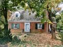 Great investment - Perfect Fixer Upper - 208 SALEM AVE, FRONT ROYAL