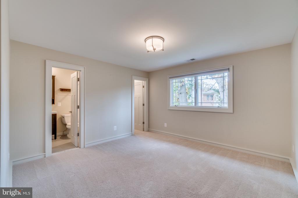 Bedroom #4 upstairs - 512 N LITTLETON ST, ARLINGTON