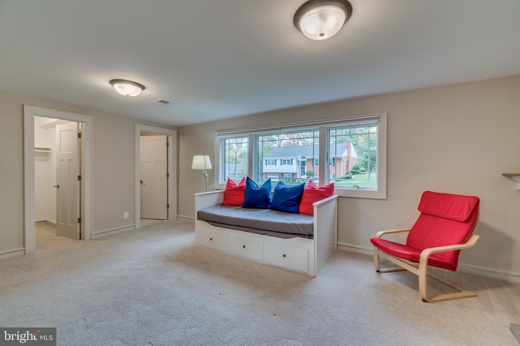 Lower level recreation room/6th bedroom - 512 N LITTLETON ST, ARLINGTON