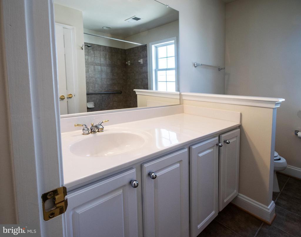 2nd level bathroom - 5526 W RICH MOUNTAIN WAY, FREDERICKSBURG