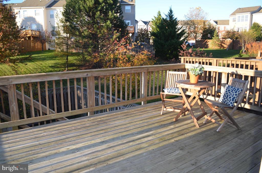 Huge deck off kitchen - 2498 LAKESIDE DR, FREDERICK