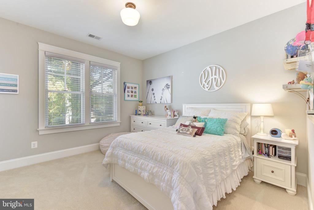 FIRST GUEST BEDROOM - 1223 N ABINGDON ST, ARLINGTON