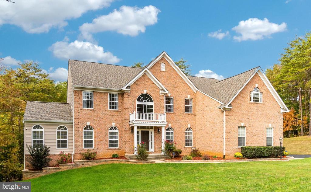 A Luxury SYG Estate Home on 3 Acres - 131 ARDEN LN, STAFFORD