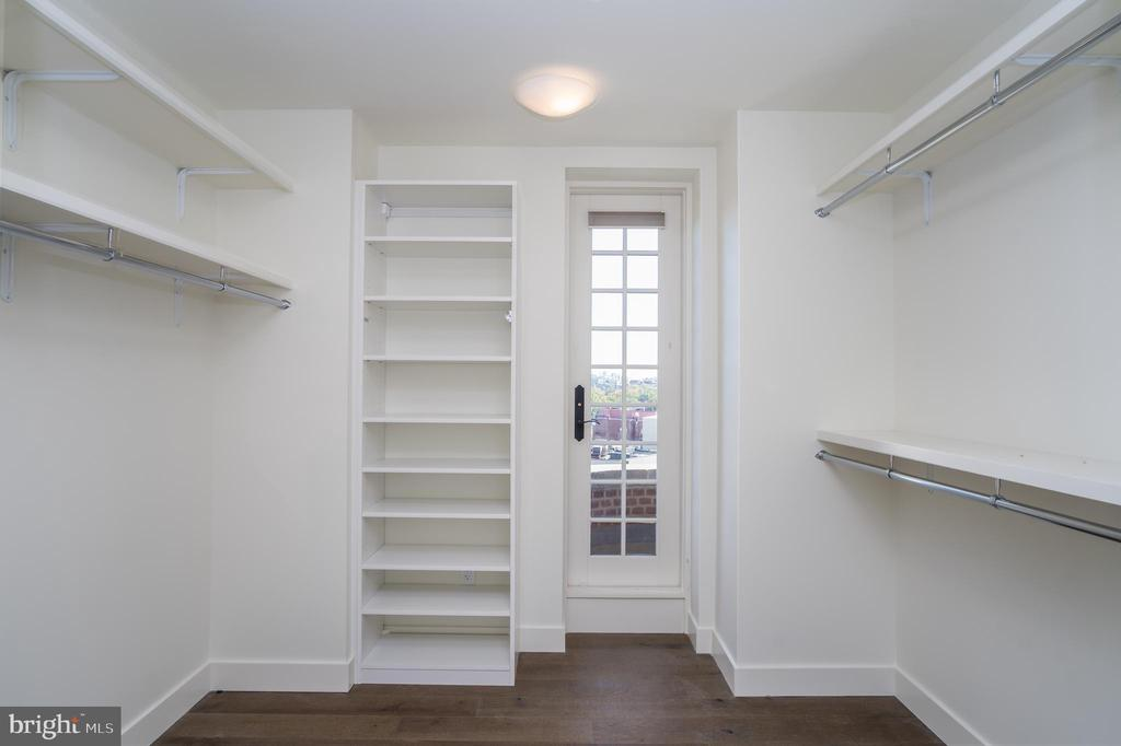 OWNER'S WALK-IN CLOSET - 2660 CONNECTICUT AVE NW #3A, WASHINGTON