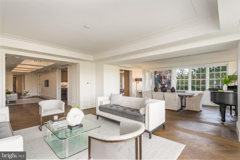 LUXURY OPEN LIVING SPACE - 2660 CONNECTICUT AVE NW #3A, WASHINGTON
