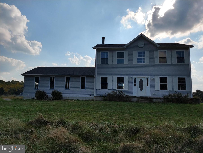 Single Family Homes para Venda às Bruceton Mills, West Virginia 26525 Estados Unidos