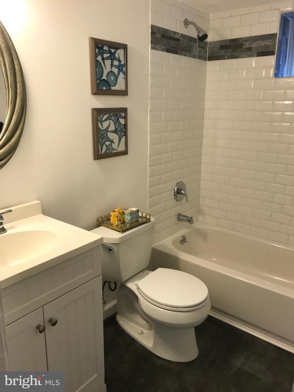 Renovated Full Bathroom (Lower Level ) - 2411 S MONROE ST, ARLINGTON
