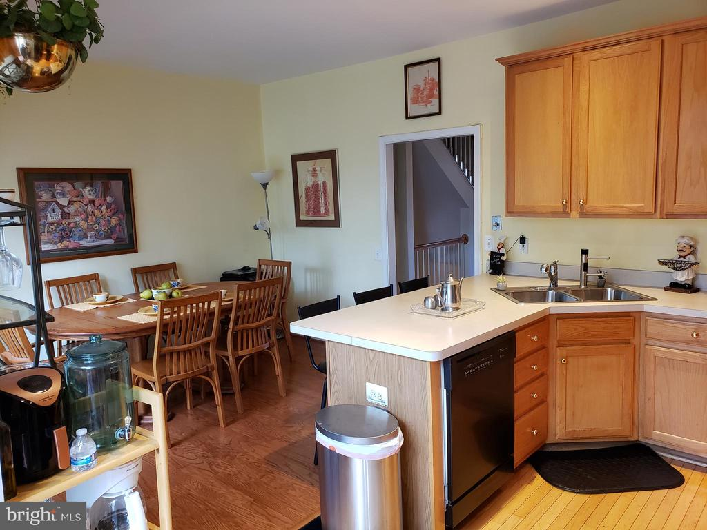 VIEW OF KITCHEN - 13959 GILL BROOK LN, CENTREVILLE