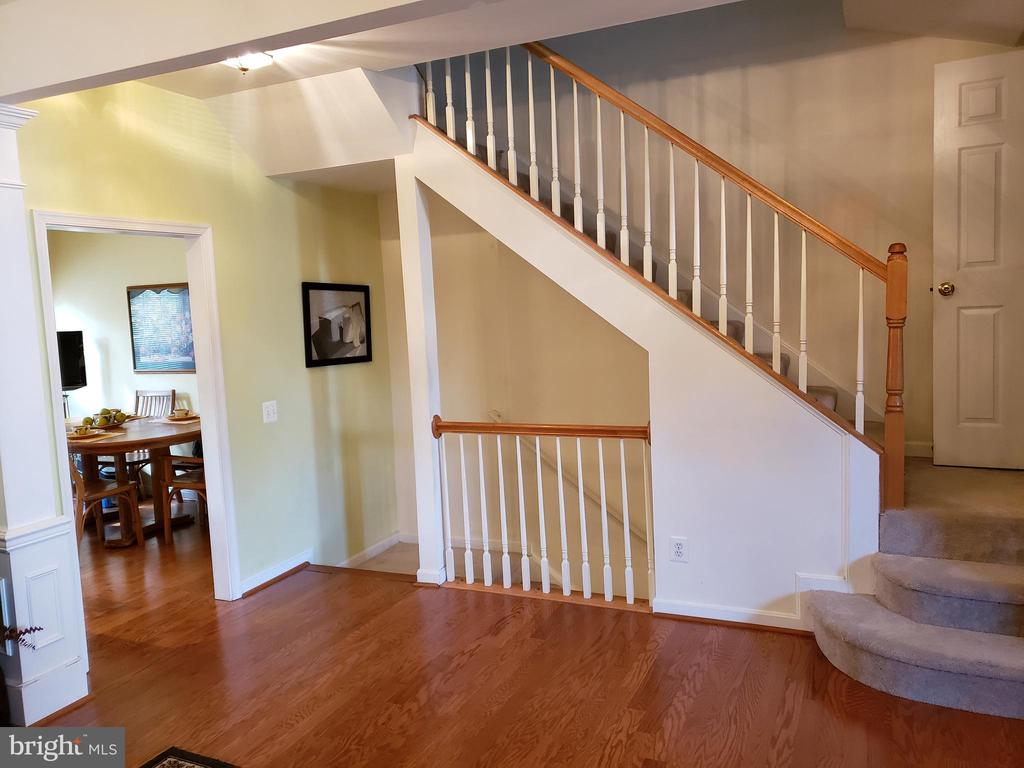 VIEW OF STAIRWAY - 13959 GILL BROOK LN, CENTREVILLE