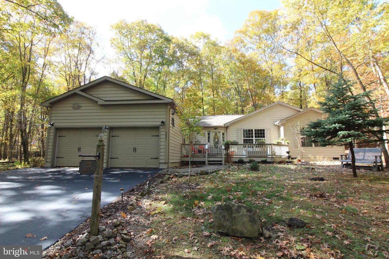 Single Family Homes para Venda às Terra Alta, West Virginia 26764 Estados Unidos