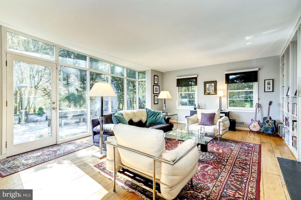 Floor to ceiling windows in the spectacular LR - 2318 44TH ST NW, WASHINGTON