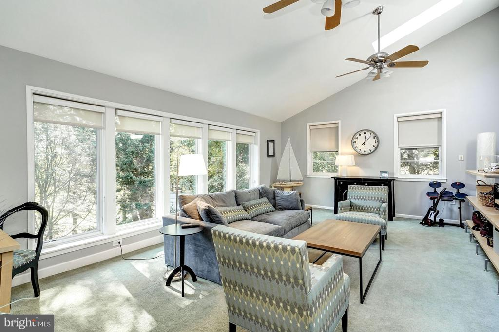 Family Room--light, airy, and huge! - 2318 44TH ST NW, WASHINGTON