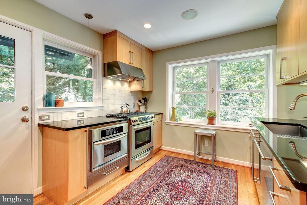 Sleek, gourmet Kitchen - 2318 44TH ST NW, WASHINGTON