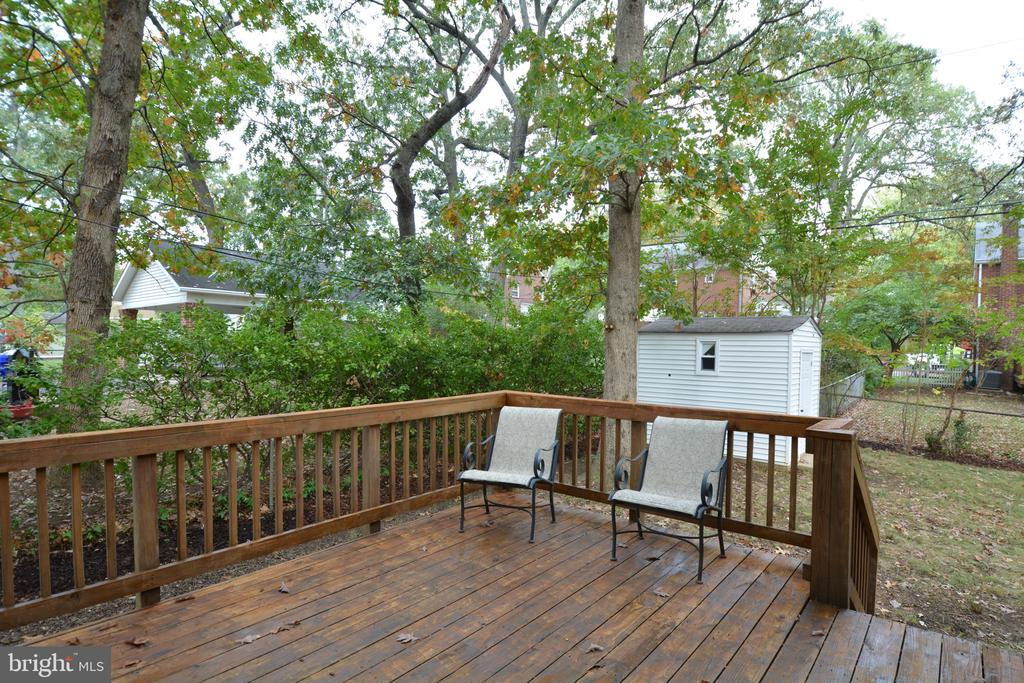 Enjoy coffee on the deck - 4747 ARLINGTON BLVD, ARLINGTON