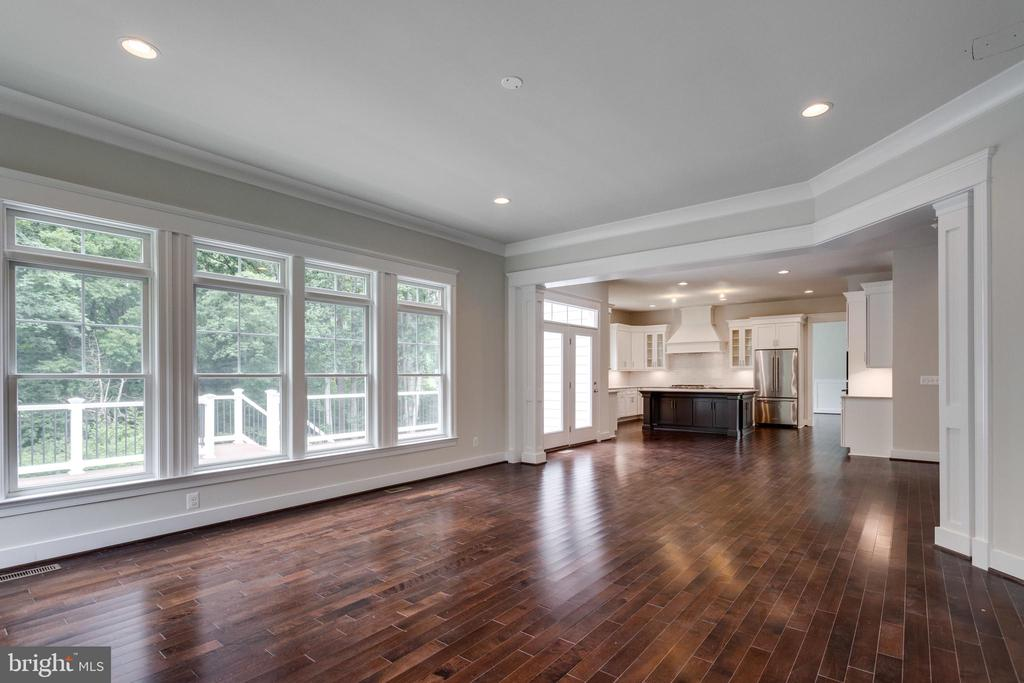 FAMILY-ROOM; MAKE YOUR OWN SELECTIONS. - 212 TAPAWINGO RD SE, VIENNA