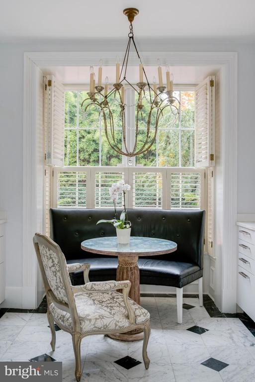 Sunny East Dining Alcove and Picture Window - 3218 VOLTA PL NW, WASHINGTON