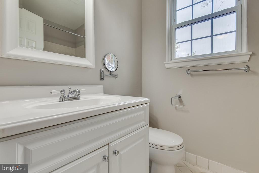 Updated Bathroom - 2877 S ABINGDON ST, ARLINGTON