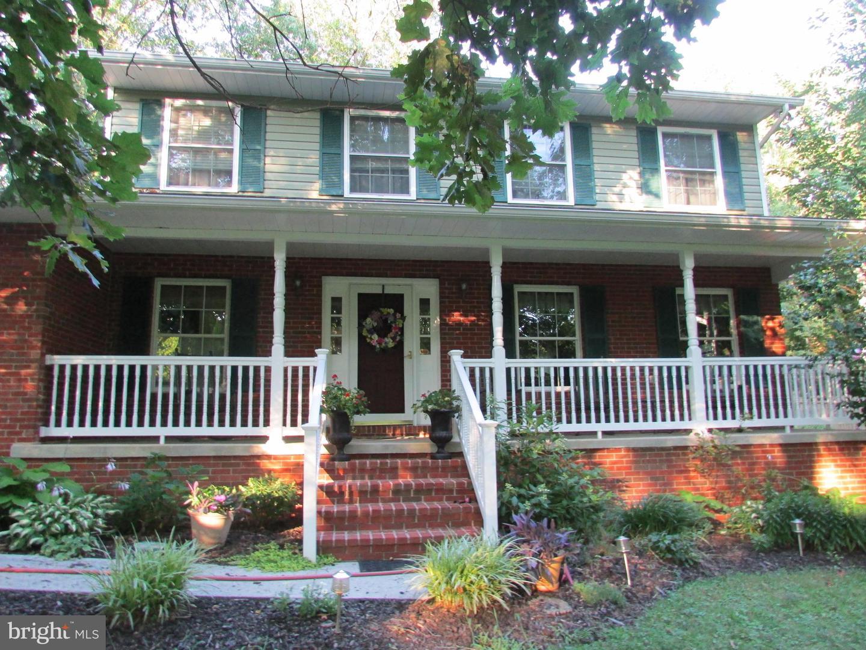 Single Family Homes para Venda às Shenandoah Junction, West Virginia 25442 Estados Unidos