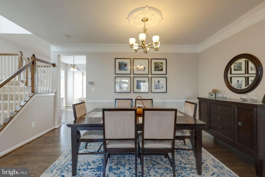 Formal dining room open & airy - 25153 SODALITE SQ, ALDIE