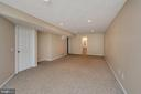 Large rec room - 160 LONGWOOD DR, STAFFORD