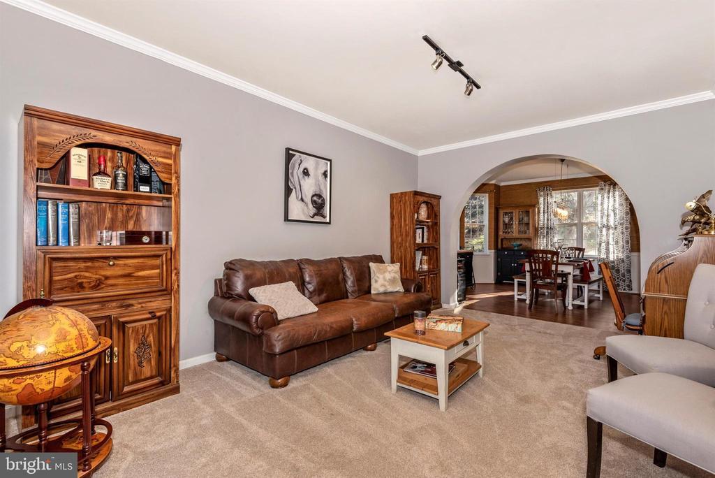 LIVING ROOM - 5865 WINTER OAKS PL, FREDERICK