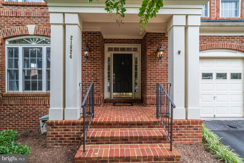 Welcome Home! - 21824 AINSLEY CT, BROADLANDS