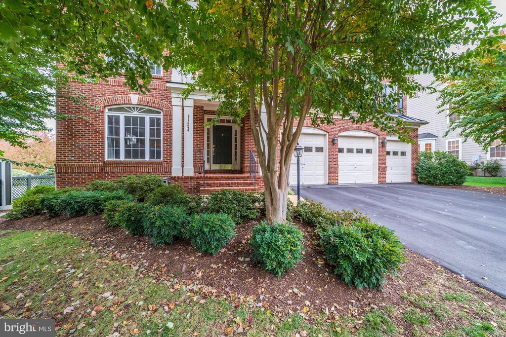 21824 Ainsley Court - 21824 AINSLEY CT, BROADLANDS