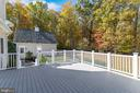 View of courtyard and carriage house - 15093 LAUREL HILL CT, LEESBURG