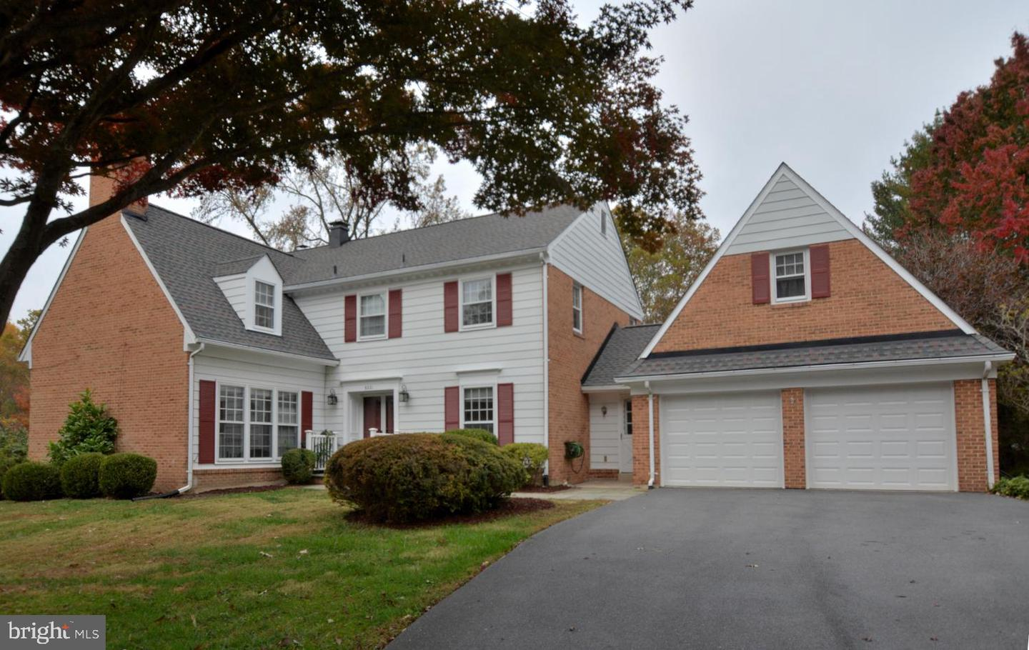 8221 W BUCKSPARK LANE, POTOMAC, Maryland