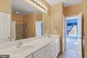 Jack-n-Jill Bathroom - 15093 LAUREL HILL CT, LEESBURG