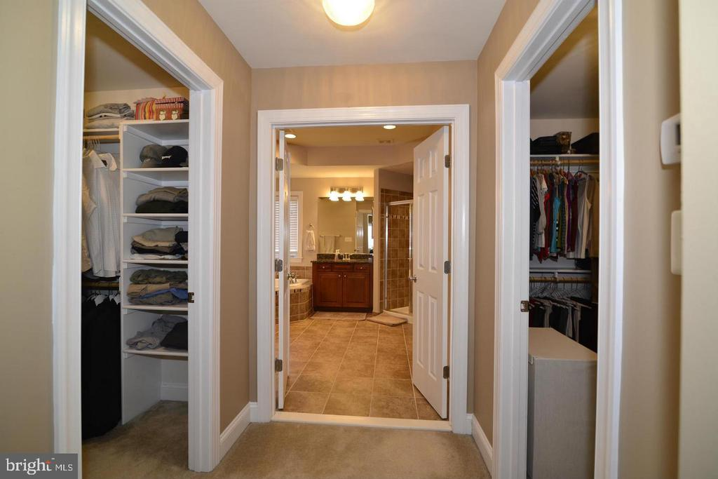 Separate Walk in Closets (photo of similar home) - 9903 MOSBY RD, FAIRFAX