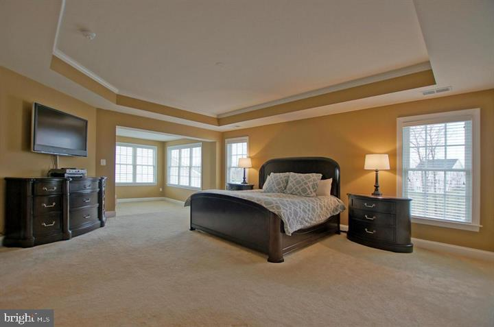 Spacious Owner's Bedroom (photo of similar home) - 9903 MOSBY RD, FAIRFAX