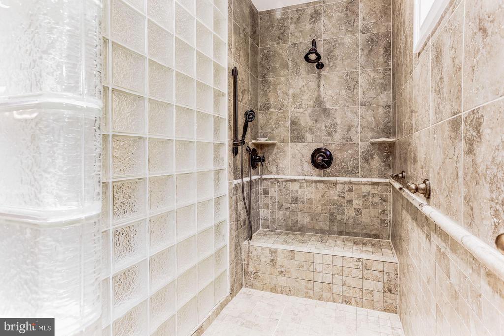 Custom Tile Shower With Bench - 4830 CASTLEBRIDGE RD, ELLICOTT CITY