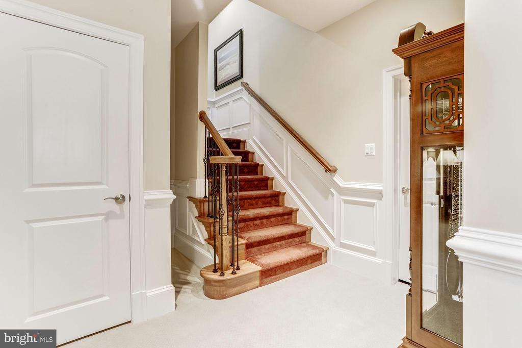 Lower Level Stairs - 4830 CASTLEBRIDGE RD, ELLICOTT CITY