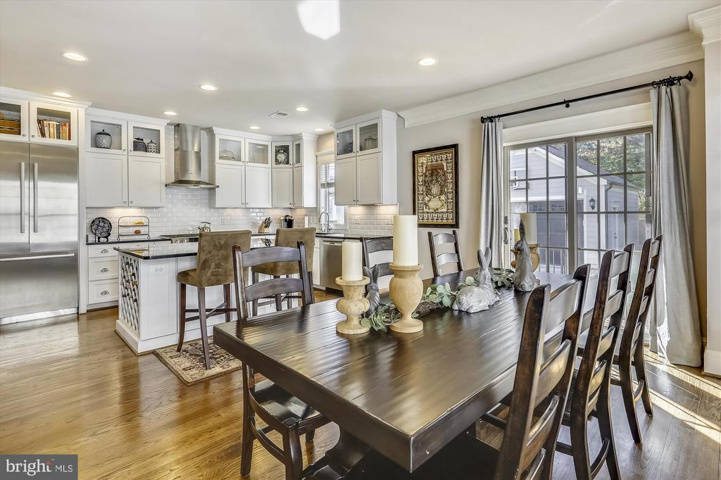 Dining and Kitchen View - 908 N CLEVELAND ST, ARLINGTON