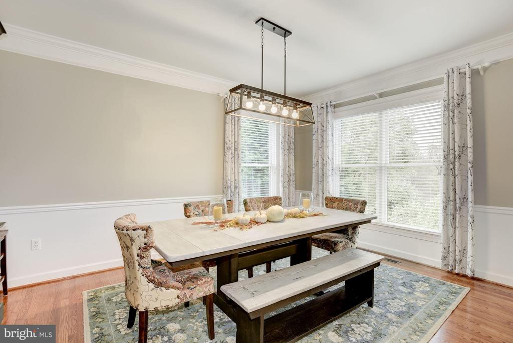 Private Dining Room - 40720 HANNAH DR, WATERFORD