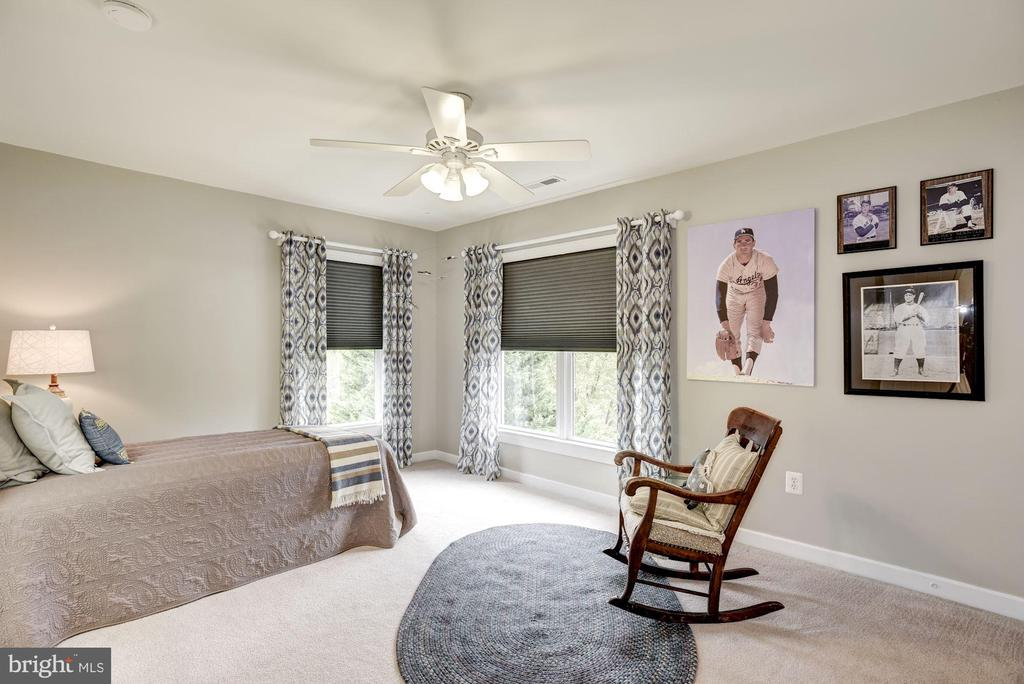 Spacious Third Bedroom - 40720 HANNAH DR, WATERFORD