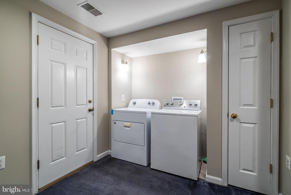 Laundry on Lower Level - 45576 TRESTLE TER, STERLING