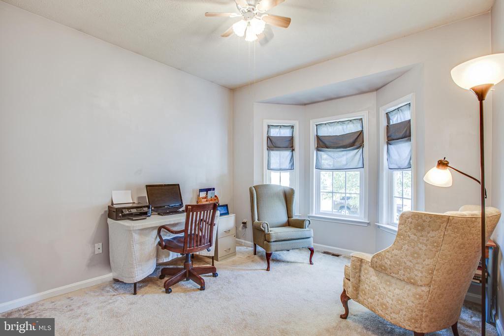 Bedroom/office with bay window - 2272 BLUEBIRD LN, LOCUST GROVE