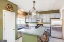 Kitchen with center island - 2272 BLUEBIRD LN, LOCUST GROVE
