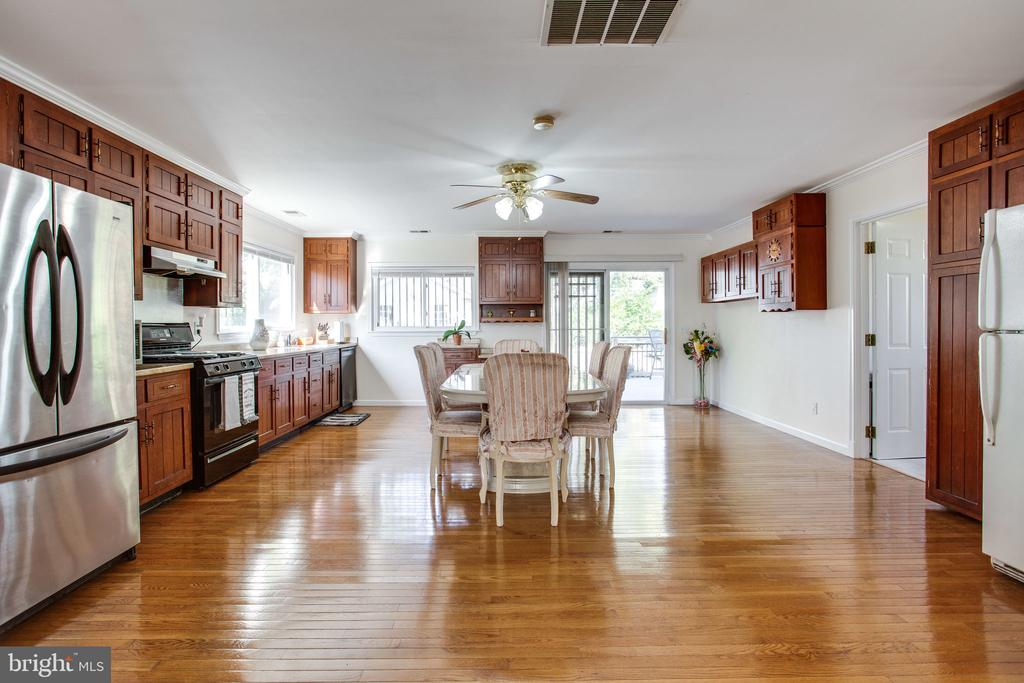 - 816 CROTHERS LN, ROCKVILLE