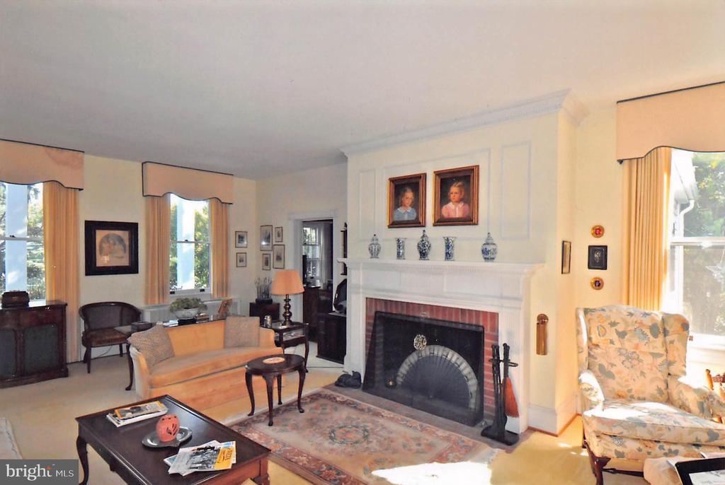 Living Room - 3612 N GLEBE RD, ARLINGTON
