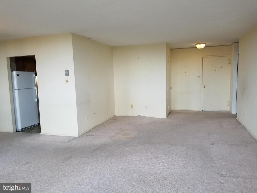 Living Room - 6100 WESTCHESTER PARK DR #1116, COLLEGE PARK